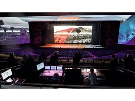 Thetechnicalachievementsofthe5,200-seatParkTheateraredemonstrated