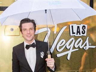 Vegas Season Brought Glimmer of Sunshine to Rainy Chicago With Exclusive Brandon Flowers Acoustic Performance