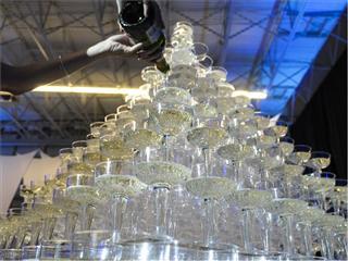 Vegas-Bound WestJet Guests Hit The Jackpot