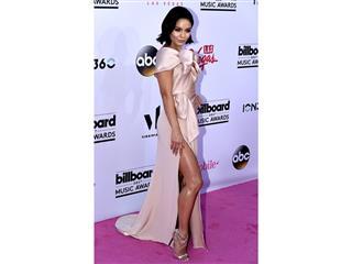 Stars Shine on Billboard Music Awards Red Carpet in Las Vegas