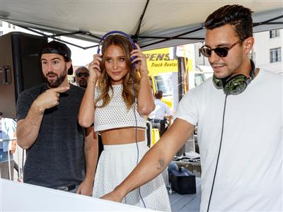 Stars Align as Las Vegas Brings Vegas Season to Hollywood with Supermodel Hannah Davis and DJ Brody Jenner