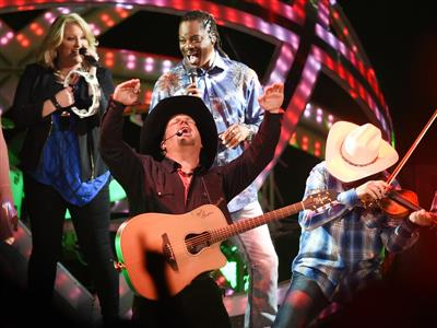 Garth Brooks Celebrates Return to Las Vegas