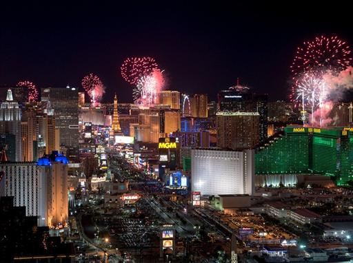 NYE Las Vegas fireworks from Mandalay Bay