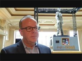 Cirque du Soleil Brings Michael Jackson Statue to Las Vegas