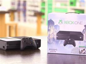 "Xbox One ""Assassin's Creed"" Bundle B-roll"