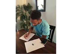 NEW BALANCE SIGNS AMERICAN MIDDLE DISTANCE CHAMPION BORIS BERIAN
