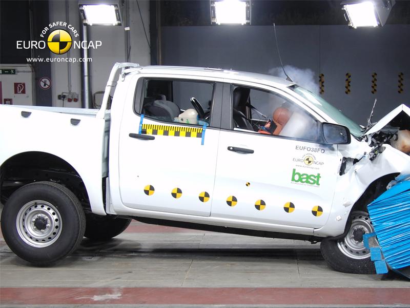 Ford Ranger – Front crash test