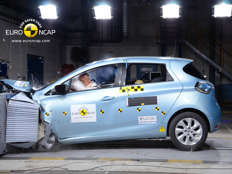Renault ZOE - Frontal crash test 2013