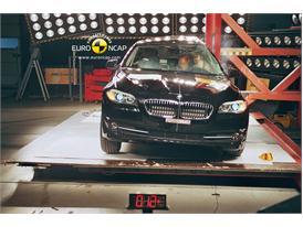 BMW 5-Series - Pole crash test
