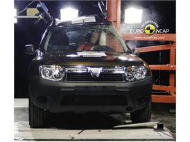 Dacia Duster – Pole crash test