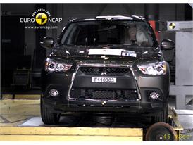 Mitsubishi ASX – Pole crash test