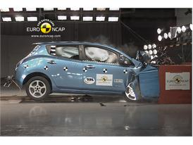 Nissan Leaf – Front crash test