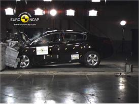 Peugeot 508– Front crash test