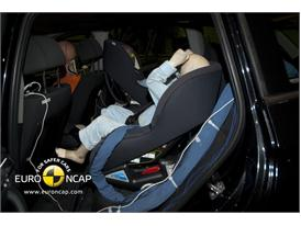 BMW X3 - Child Rear Seat crash test