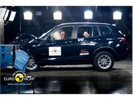 BMW X3 - Front crash test