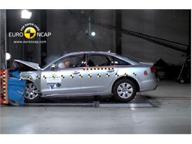 AUDI A6 – Front crash test