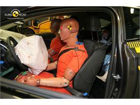 OPEL Vauxhall Astra GTC  – Driver crash test