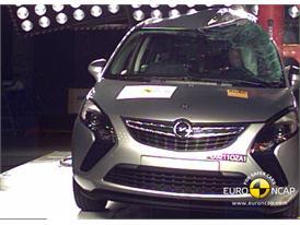 Opel Vauxhall Zafira – Pole crash test