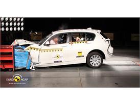 BMW 1 Series – Front crash test