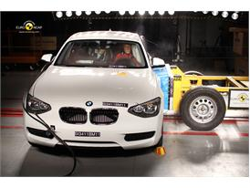 BMW 1 Series – Side crash test
