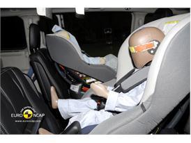 Lancia Voyager – Child Rear Seat crash test