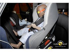 Audi Q3 – Child Rear Seat crash test