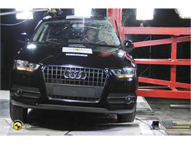 Audi Q3– Pole crash test