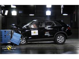 Audi Q3– Front crash test