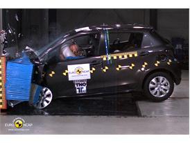 Toyota Yaris – Front crash test