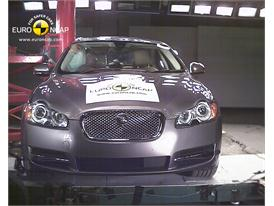 Jaguar XF – Pole crash test