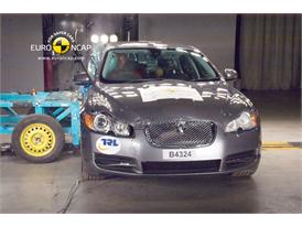 Jaguar XF – Side crash test