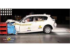 BMW 1 Series – Front crash test