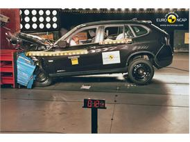 BMW X1 – Front crash test