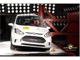 Ford B MAX – Pole crash test
