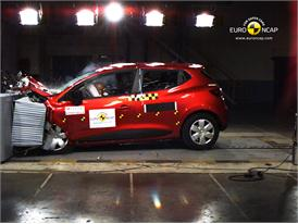 Renault Clio IV – Front crash test