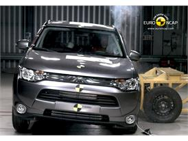 Mitsubishi Outlander Side crash test 2012