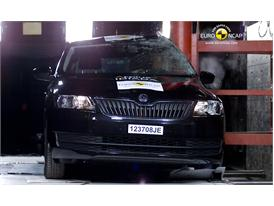 Skoda Rapid Pole crash test 2012