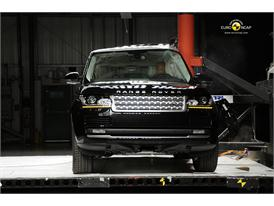 Range Rover Pole crash test 2012