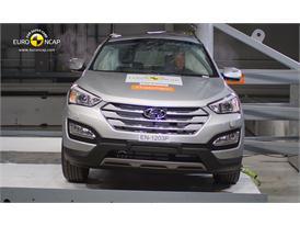 Hyundai Santa Fe Pole crash test 2012
