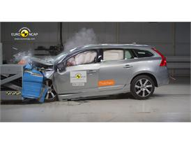 Volvo V60 Plug-In Hybrid  Frontal crash test 2012