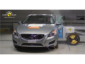 Volvo V60 Plug-In Hybrid Side crash test 2012