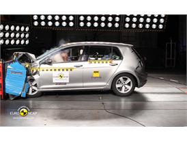 VW Golf  Frontal crash test 2012