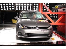 VW Golf  Pole crash test 2012