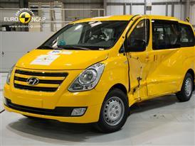 Hyundai H-1 - Side crash test 2012 - after crash