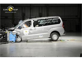 Hyundai H1 2012 - Frontal crash test 2012