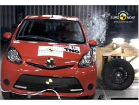 Toyota Aygo - Side crash test 2012