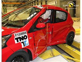 Toyota Aygo  -  Pole crash test 2012 - after crash
