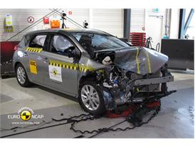 Toyota  Auris - Frontal crash test 2013 - after crash