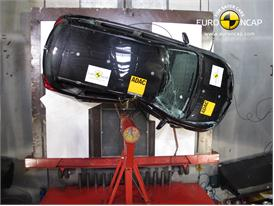 Toyota  Auris - Pole crash test 2013 - after crash