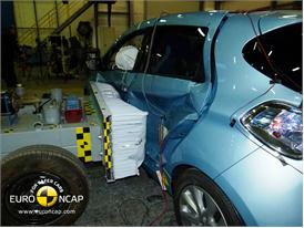 Renault ZOE - Side crash test 2013 - after crash